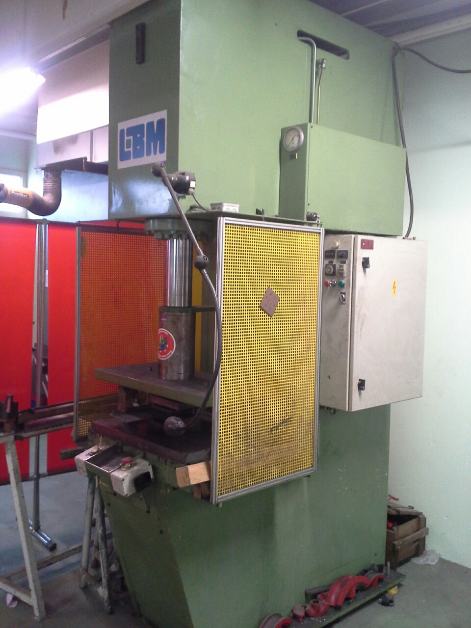 Hydraulic press LBM BG 403 / Press force : 40 T / Open height : 750 mm